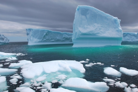 4_6_17_brian_icebergs_arctic_720_482_s_c1_c_c